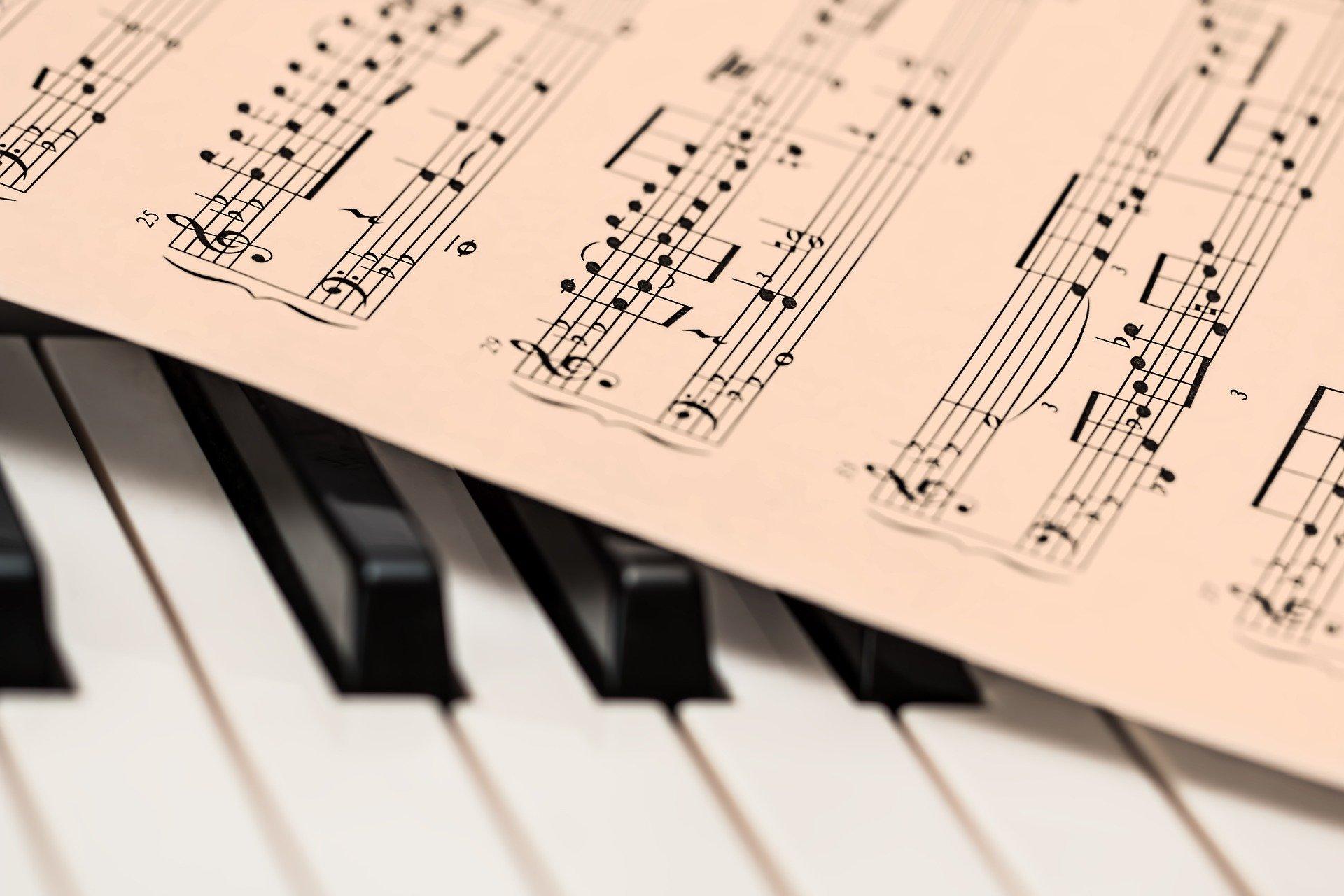 【ピアノ初心者向け】楽譜をめちゃくちゃ読みやすくする方法